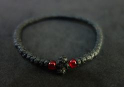 DSC02520 Κομποσκοινάκι κερωμένο, κόκκινες χάντρες
